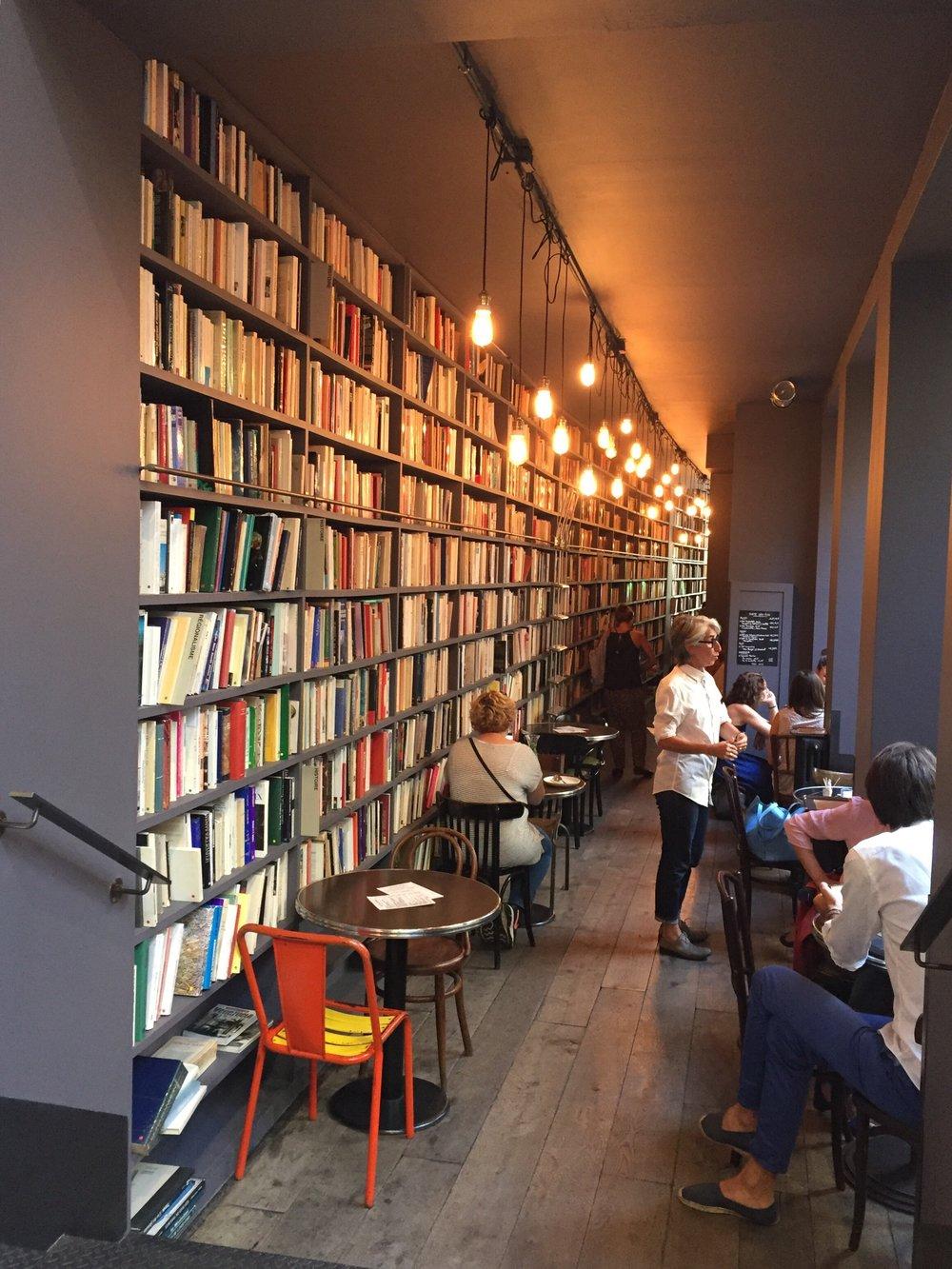 Merci Cafe & Tea Room -最後這也是一張大家都會拍的點.