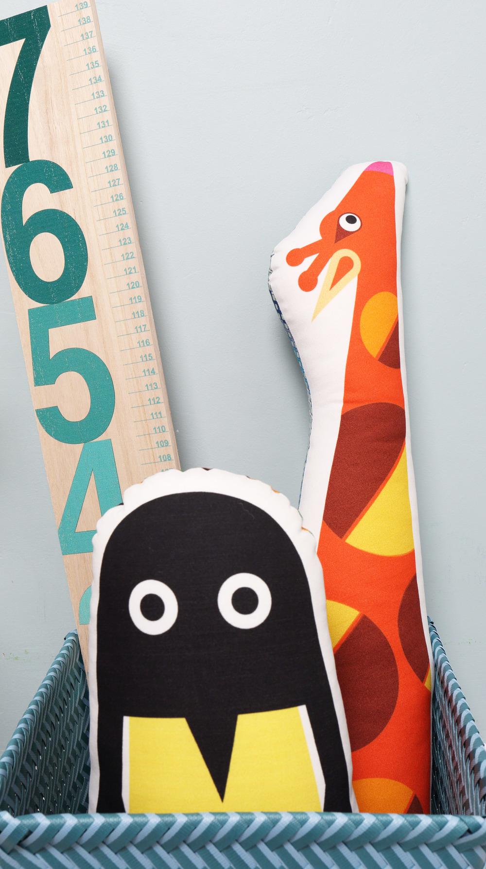 penguin giraffe ruler2.jpg