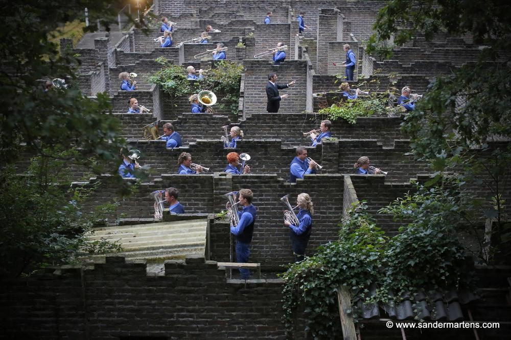 A maze of music