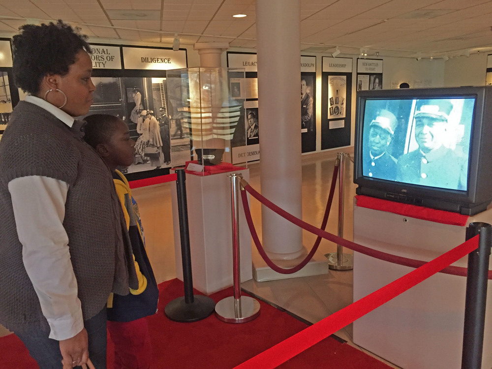 Pullman Porter Exhibit photo 11, mother -son at exhibit_edited-1.jpg
