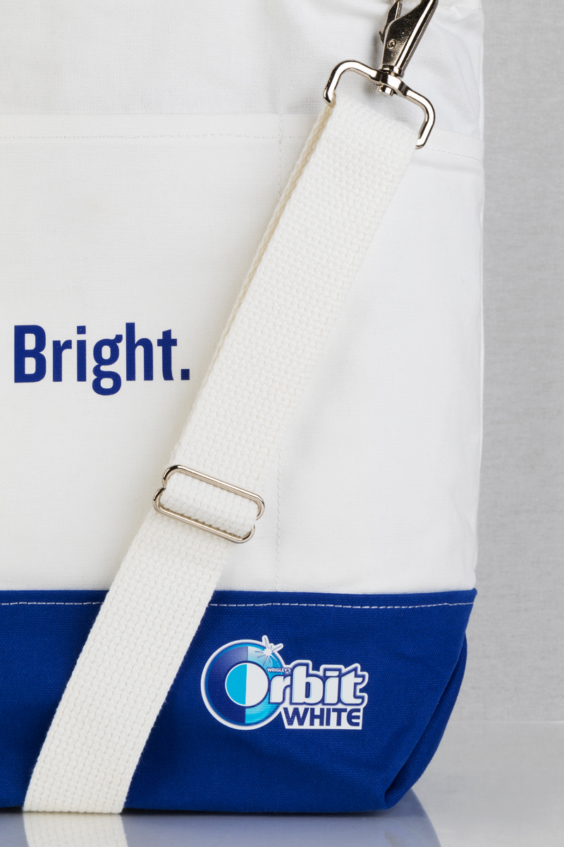 Orbit_MultiPocketTote_strap.jpg