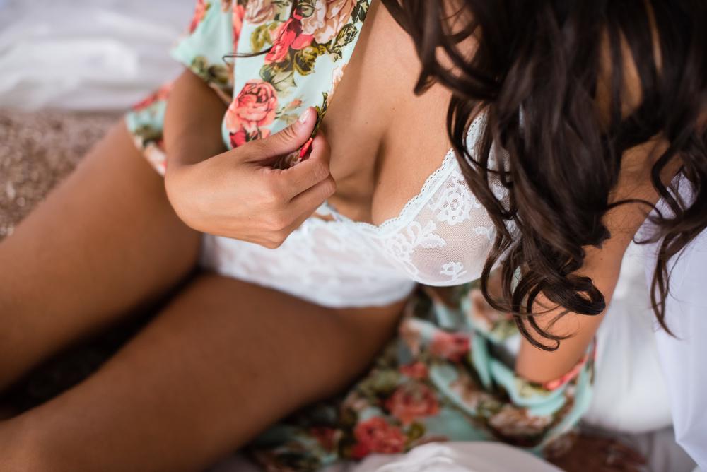 lace-lingerie-silk-robe-boudoir-orlando