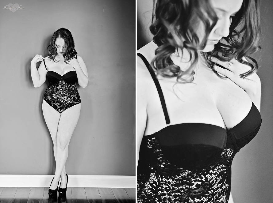 black-and-white-boudoir-orlando.jpg