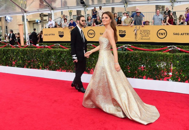 Maria-Menounos--2015-SAG-Awards--13-662x457.jpg