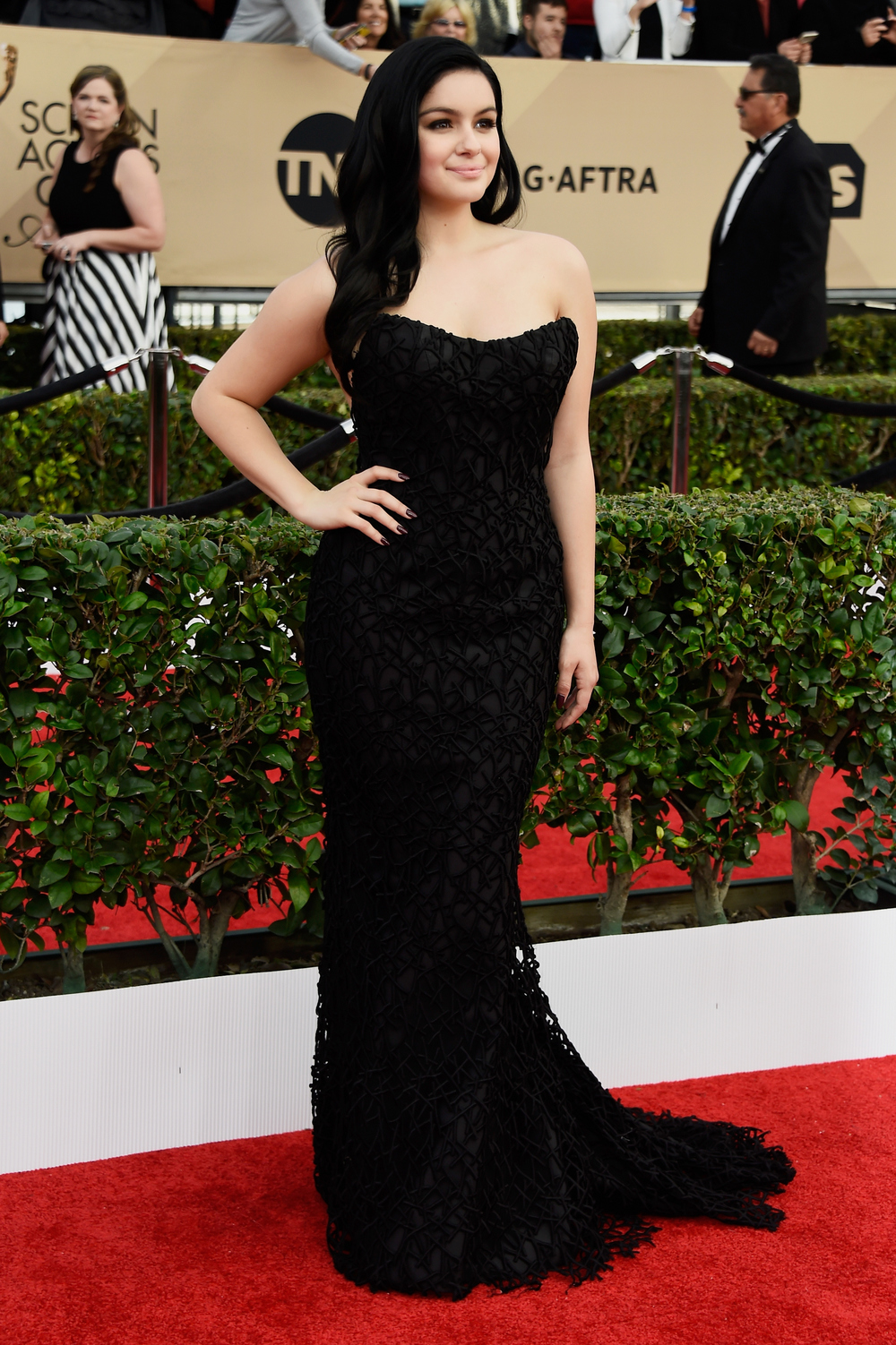 Ariel Winter Channels classic Hollywood Glamour in Romona Keveza ...