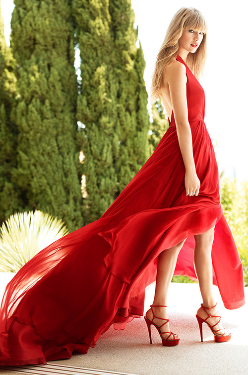 Taylor Swift wears Romona Keveza Collection featured in HELLO! Magazine.