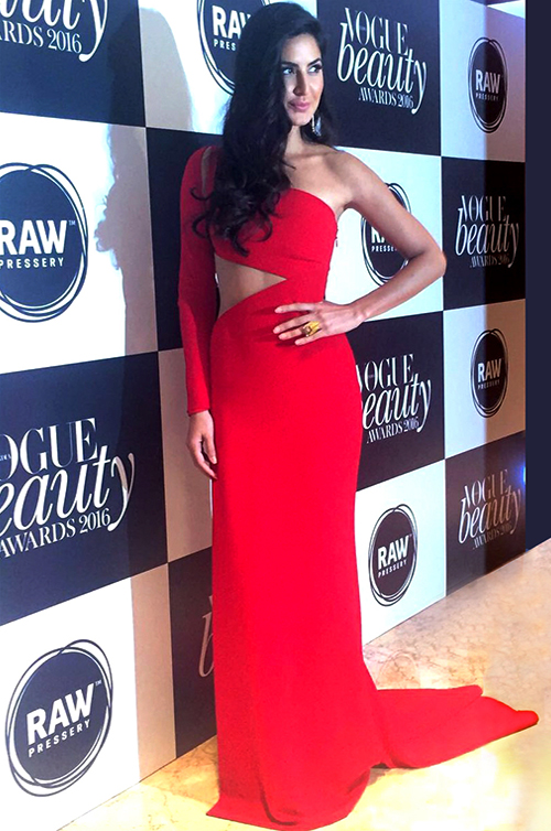 Award-Winning Bollywood Superstar Katrina Kaif in Romona Keveža at Vogue India's 2016 Vogue Beauty Awards.