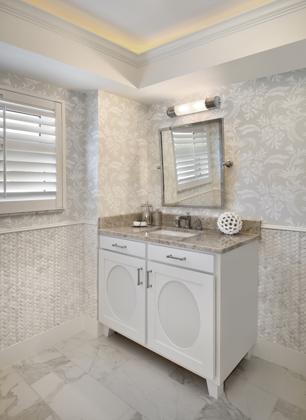 Thonet Guest Bathroom 2.jpg