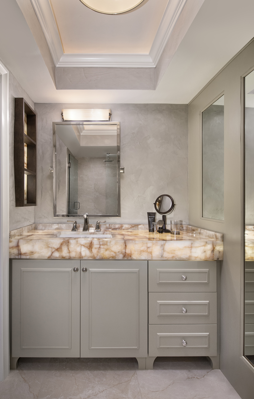 Thonet Guest Bathroom 1.jpg