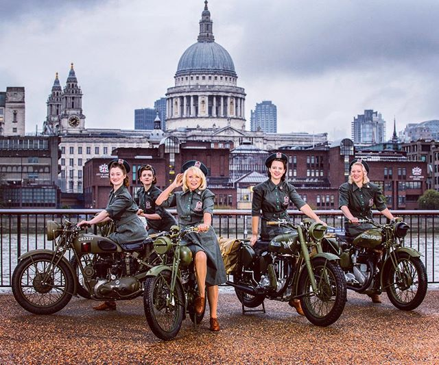 80th Anniversary of The Woman's Voluntary Service, with ambassador Elaine Paige! 💋 . . . . #elainepaige #womenofworldwartwo #vintagehair #vintagemakeup #vintage #ww2 #womansvoluntaryservice #wvs #vintagebike #stpauls #london #photoshoot #musicaltheatre #singers #women