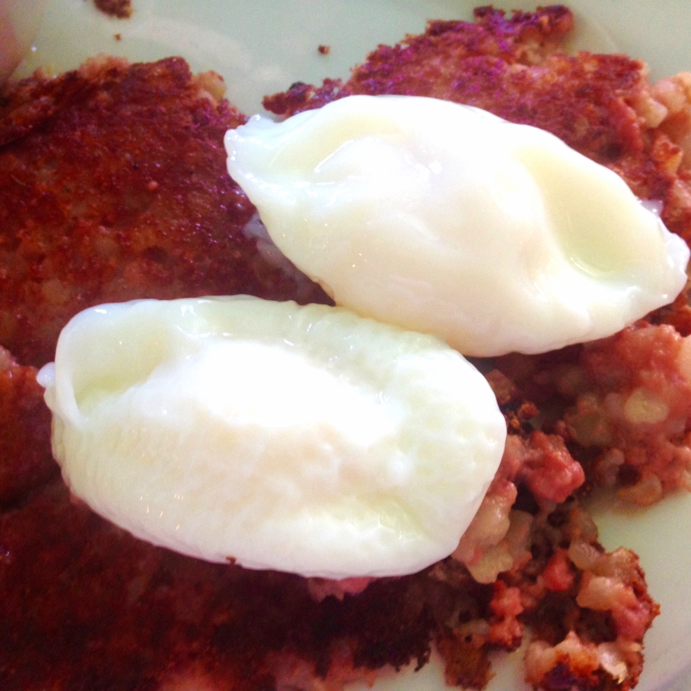 Poached Eggs & Corned Beef Hash