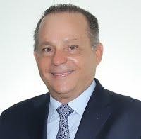 Alberto Alemán Zubieta   • Por 5 años      Exadministrador del Canal de Panamá. Ingeniero civil e industrial, titulado en la Universidad de Texas A&M.