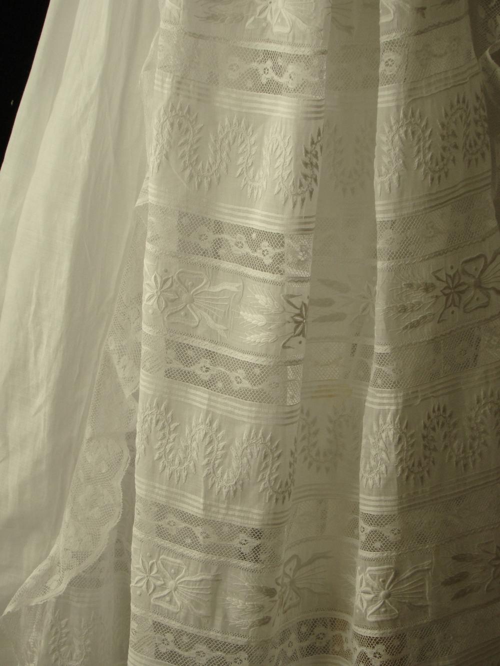 gown four h.jpg
