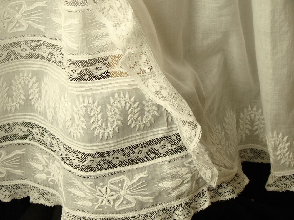 gown four n.jpg