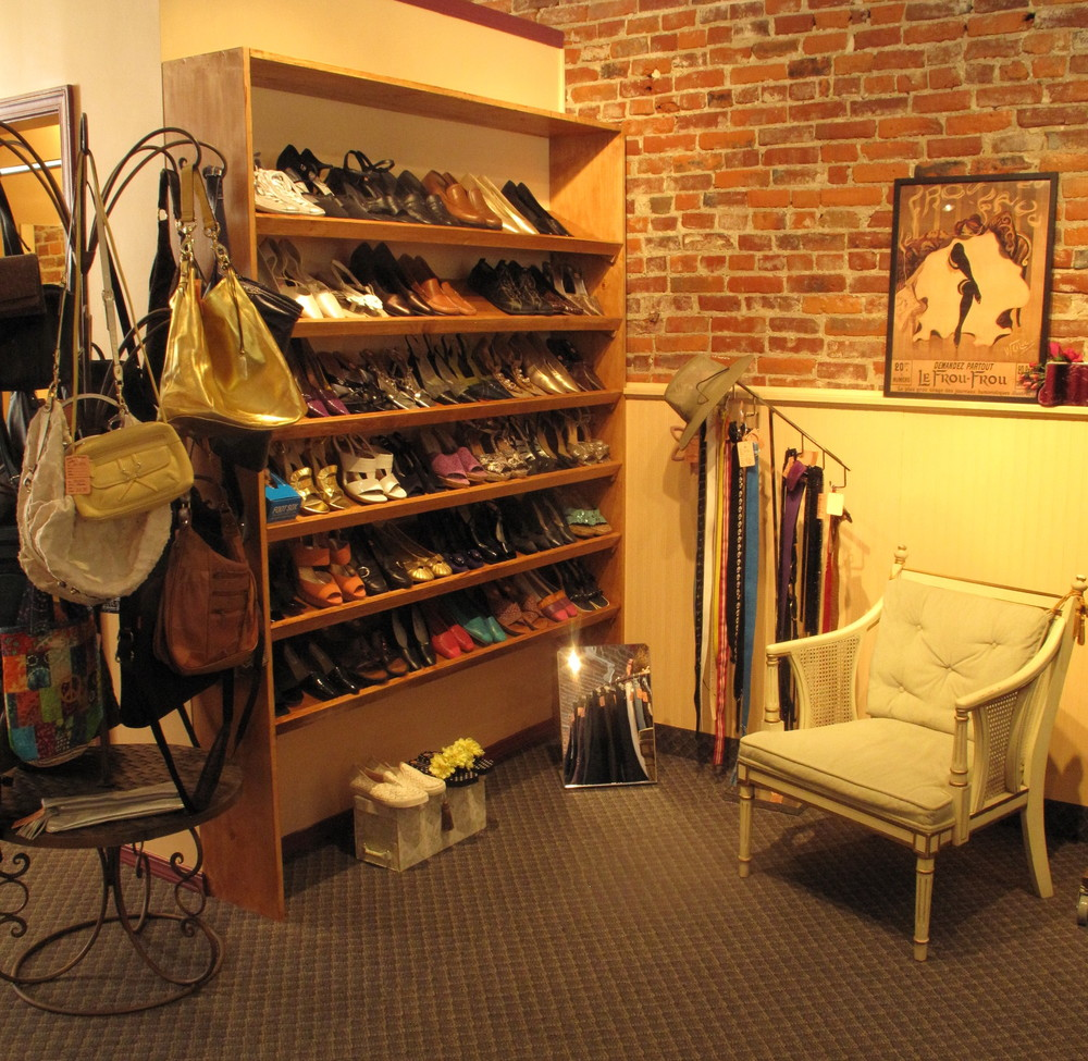 We carry not just clothing but shoes, bags, belts, and other accessories.