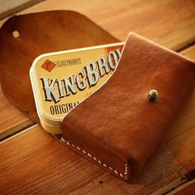Very excited to announce that we will be stocking King Brown Pomade! So much hard work has gone into developing this amazing product. Released mid Sept. @kingbrownpomade #livelikekings #kingbrownpomade #comingsoon #thepomadeshop #menspomade #pomade #grooming #barbersupply #buyonline #menshair #pomp #fade #groomnzoom #barberlife #trim #tapercut #beards #moustache #slickanddestroy #thepomadeshopaus