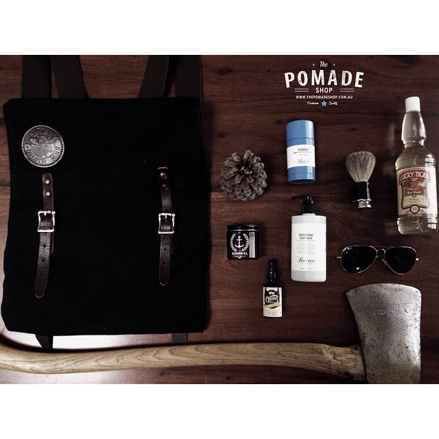 •Flat Lay Friday 5•     Not that there is many trees around the city in Melbourne & you would very likely go to jail cutting one down    its a lumberjack style flat lay..with #odoudsbeardoil #admiralfiberhold #baxterofcalifornia #deoderant #baxterbadgershavebrush #baxterbodywash #rayban #aviators #luckytigerbayrum