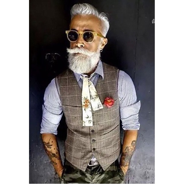In true style this wednesday Mr. @alessandro_manfredini.       www.thepomadeshop.com.au       #mensstyle #mensgrooming #itpaystolookyourbest #thepomadeshop #dapper #vintage #pomade