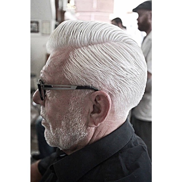 Anothe killer cut by Convict Coos @schorembarbier.. This time its a white executive contour on a very dapper gentleman. Styled using @reuzel pomade       www.thepomadeshop.com.au        #schorembarber #scumbagbarbers #thepomadeshop #collegecontour #vintage #barbers #barber #mensstyle #mensgrooming