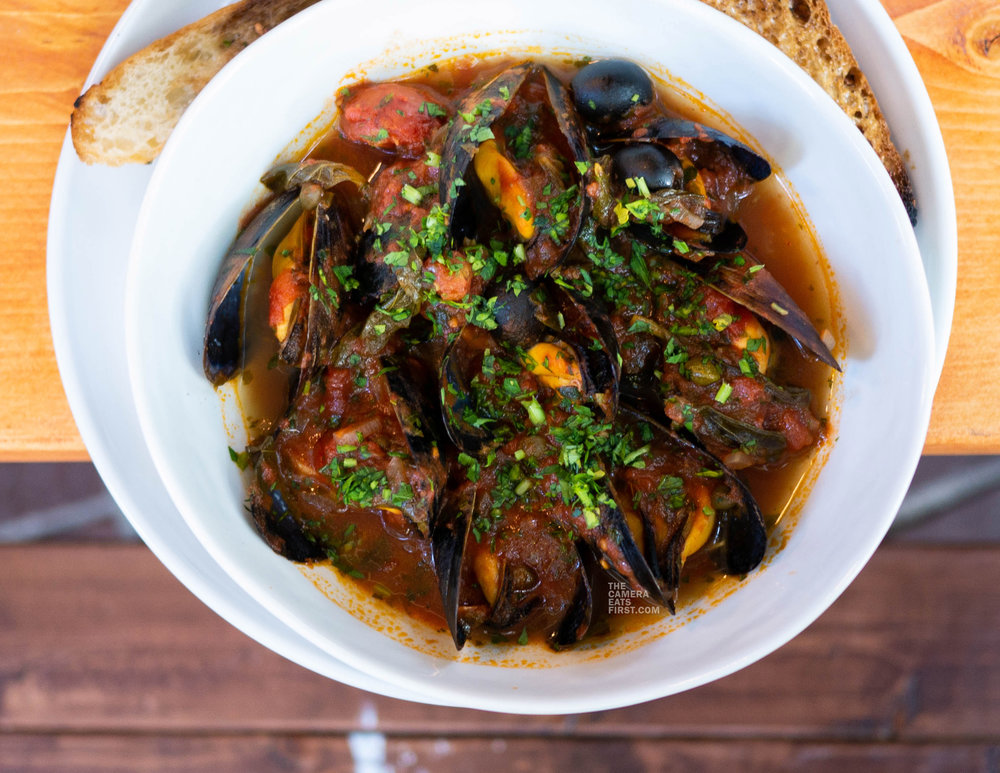 tuscan steamed mussels