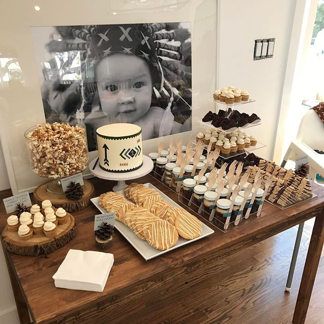 Yesterday's dessert spread 🍰🍪🍬 - maple bacon popcorn - carrot cupcakes - maple sugar cookies - Rice Krispies - brownies - chocolate salted caramel cake jars
