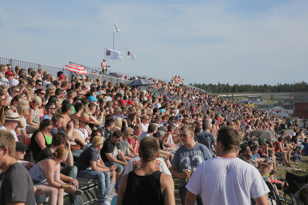 Crowds during the drifting contests