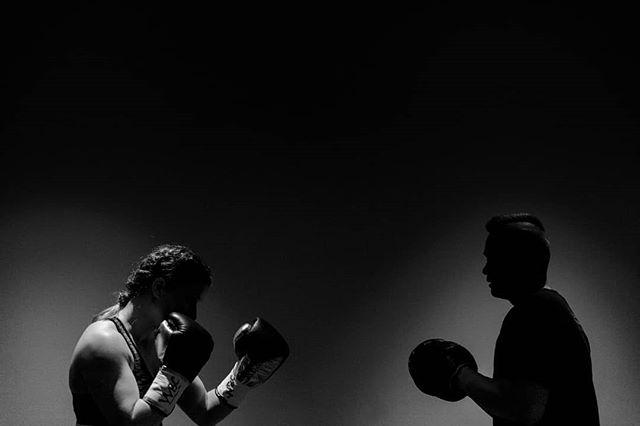 At the opposite side, Iceland's first female pro boxer - Valgerdur Gudstensdottir, warms up for the fight against Katharina Thanderz.  @valgerdurgud  #boxing #wbc #boksing #women #valgedursigurdardottir #iceland #oslo #norway #photography #sport #bw #monochrome #canon #fight
