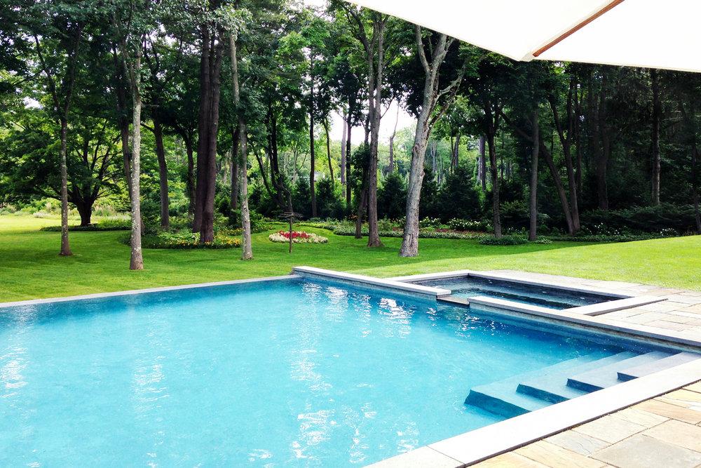 muttontown_pool_landscape-design_garden_lawn_long-island_li_ny.jpg