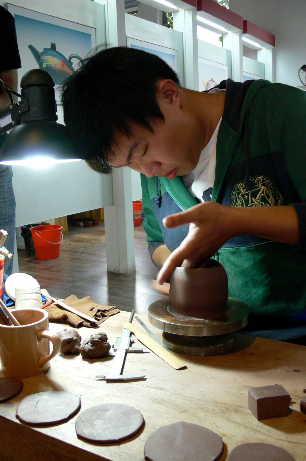 2012 –Demonstration making Yixing teapots
