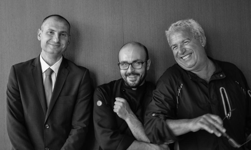 Il sommelier Sokol Ndreko del Lux Lucis,Marco Cahssai, Igles Corelli