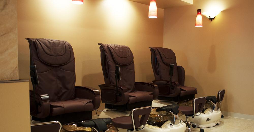 bestnails_pedi_chairs.jpg