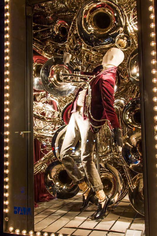 1712 NYC store windows-14.jpg