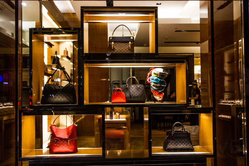 1712 NYC store windows-36.jpg