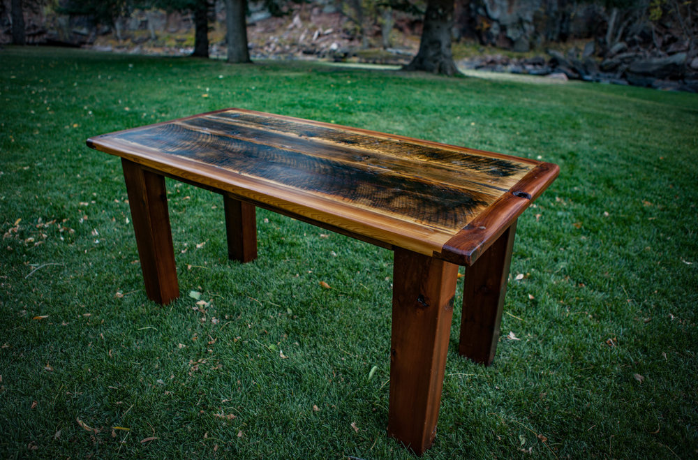 "Cake Table  – This table is 5' long x 34"" wide."