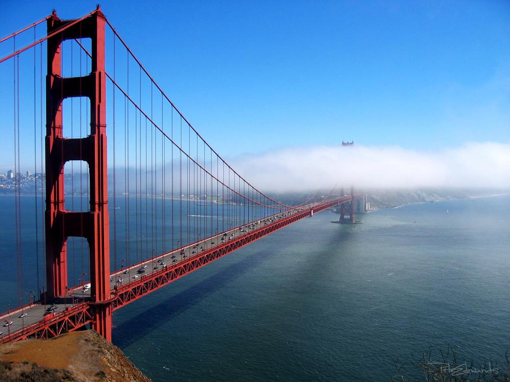 Golden Gate Bridge - Into The Mist