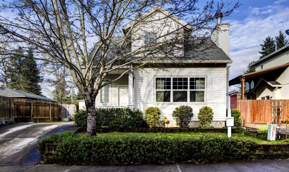 17469 SW Chris Street // $235,000
