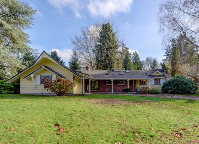 7000 SW 63rd Ave // $499,000