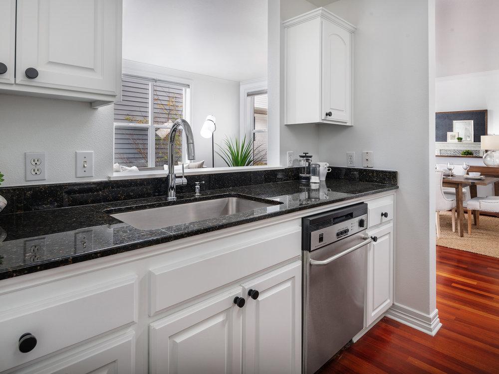 2328_nw_glisan_st_kitchen_02.jpg