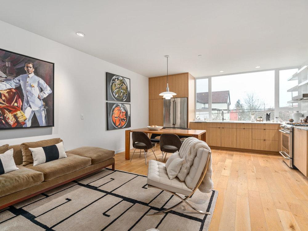 118 N Emerson St Portland OR-013-11-Living Room-MLS_Size.jpg