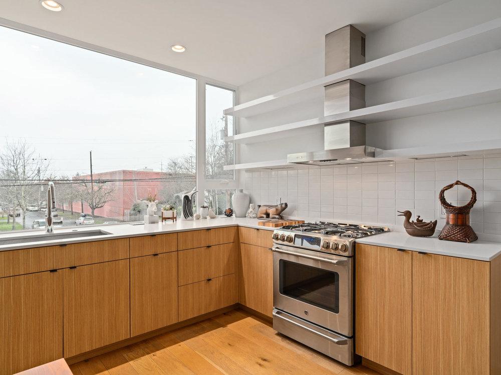 118 N Emerson St Portland OR-017-6-Kitchen-MLS_Size.jpg