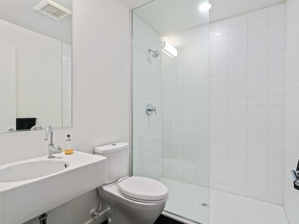 118 N Emerson St Portland OR-020-27-Bathroom-MLS_Size.jpg
