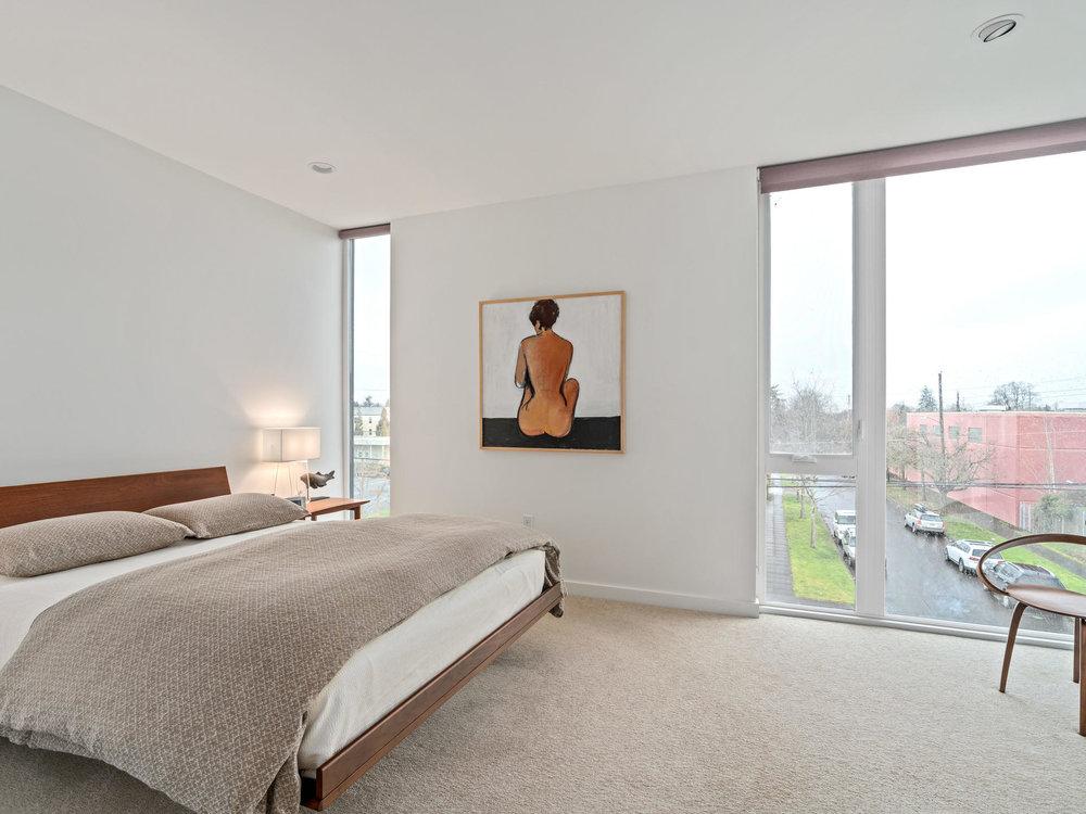 118 N Emerson St Portland OR-023-12-Master Bedroom-MLS_Size.jpg