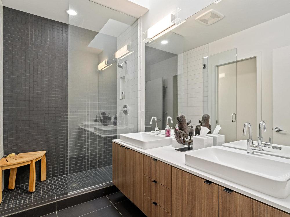 118 N Emerson St Portland OR-026-16-Master Bath-MLS_Size.jpg