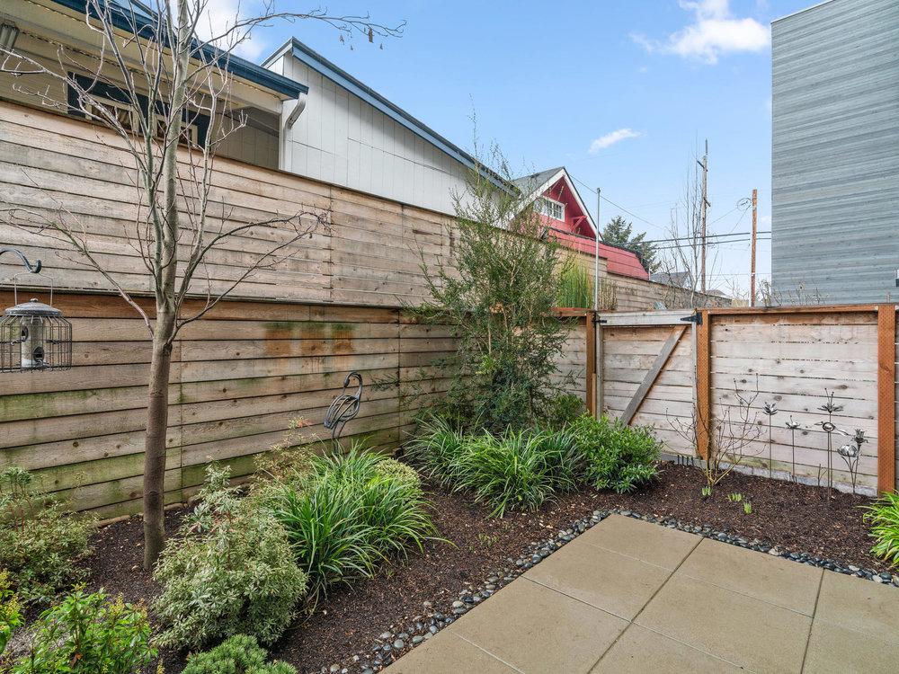118 N Emerson St Portland OR-031-29-Back Yard-MLS_Size.jpg