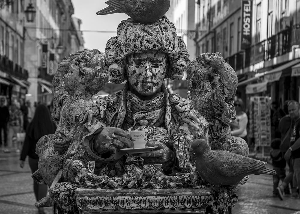 Mozart Living Statue