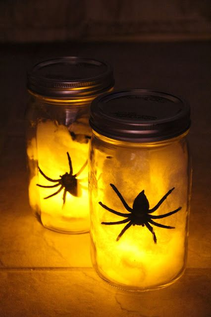 LIGHT IT UP! Light the taril for the trick or treaters with these cool lanterns made from mason jars!