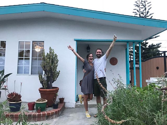Exciting news! WE GOT THE KEYS 🔑 to our first place!! 🙌🏻🎉 We can't wait to host friends, family, and watch reruns of Friends for days 🏡