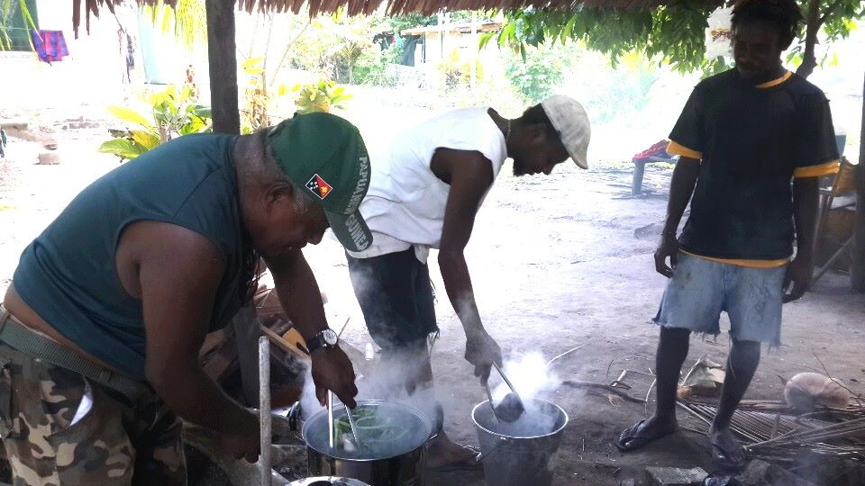 Aigir! Traditional PNG cuisine.