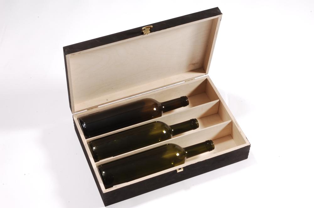 Weinbox mit Trennbretter in Nut