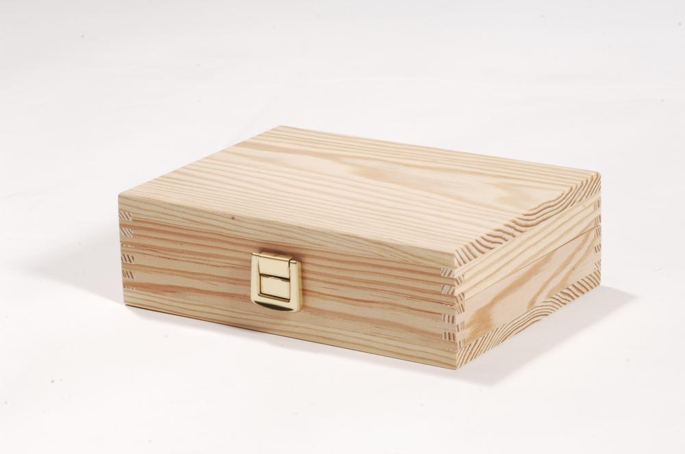 Holzbox mit Klappdeckel